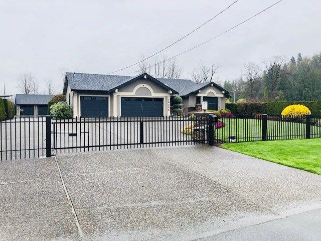 Main Photo: 10296 MCSWEEN Road in Chilliwack: Fairfield Island House for sale : MLS®# R2252768