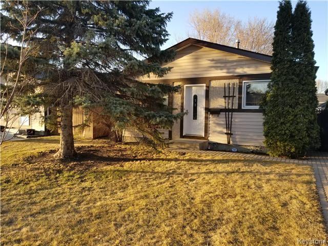 Main Photo: 49 Leatherwood Crescent in Winnipeg: North Kildonan Residential for sale (3G)  : MLS®# 1809999