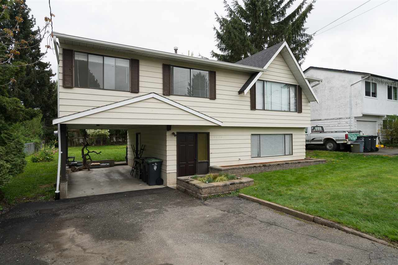 Main Photo: 26448 29 Avenue in Langley: Aldergrove Langley House for sale : MLS®# R2263674