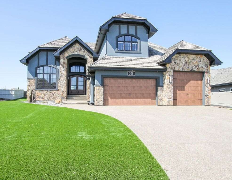 Main Photo: 707 52328 RR 233: Rural Strathcona County House for sale : MLS®# E4110476