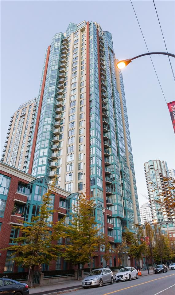 """Main Photo: 401 939 HOMER Street in Vancouver: Yaletown Condo for sale in """"PINNACLE"""" (Vancouver West)  : MLS®# R2300609"""