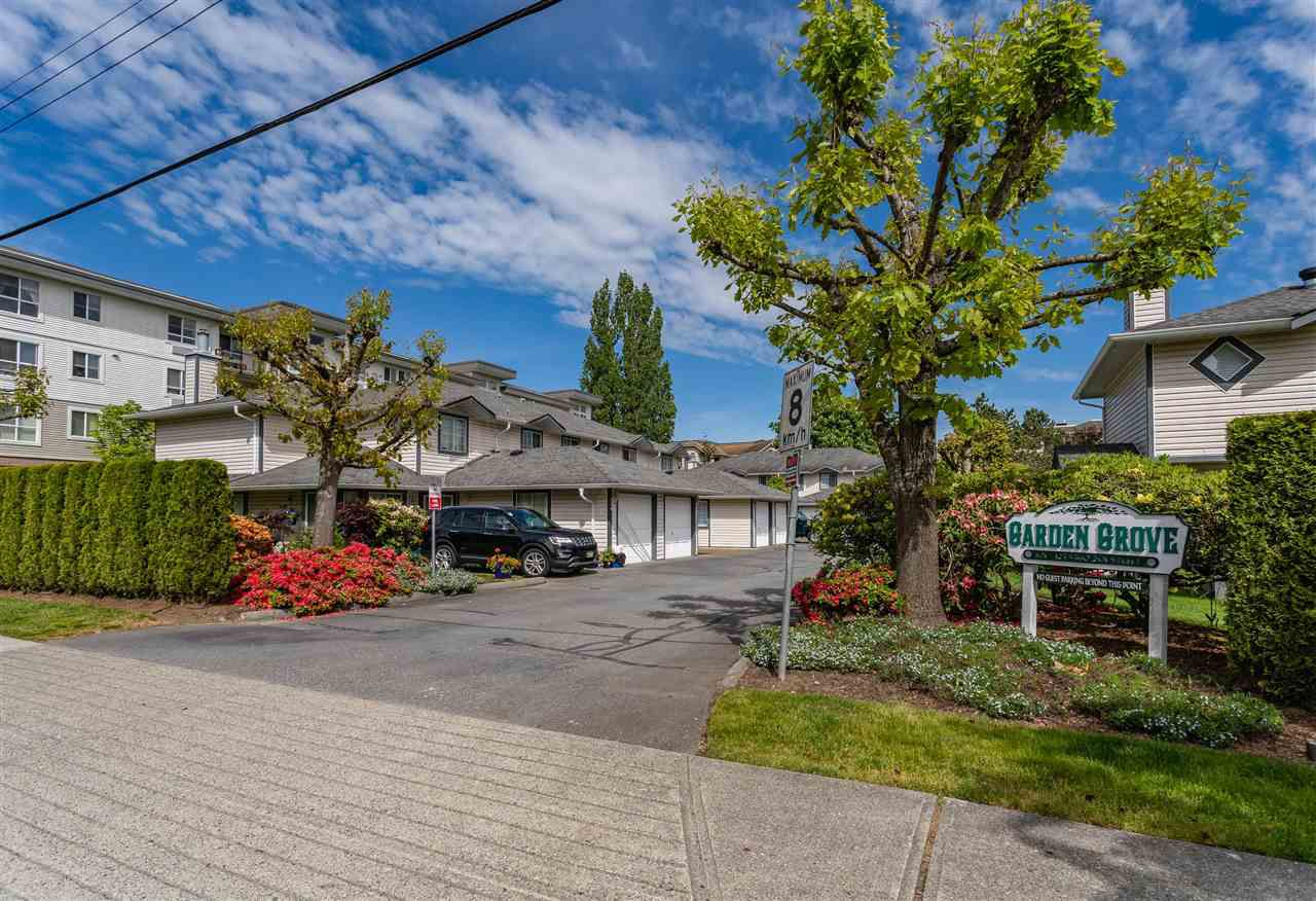 Main Photo: 117 5360 201 Street in Langley: Langley City Townhouse for sale : MLS®# R2374791
