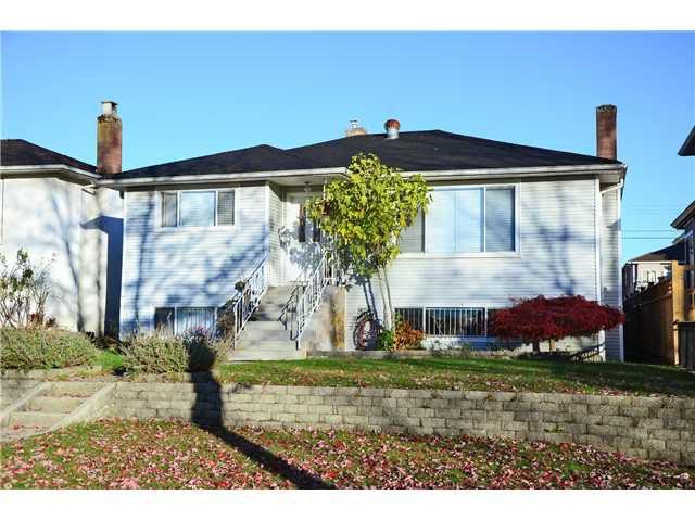 """Main Photo: 6736 VIVIAN Street in Vancouver: Killarney VE House for sale in """"KILLARNEY"""" (Vancouver East)  : MLS®# V1034058"""