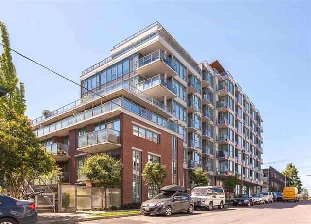 """Main Photo: 302 251 E 7TH Avenue in Vancouver: Mount Pleasant VE Condo for sale in """"The District"""" (Vancouver East)  : MLS®# R2126786"""