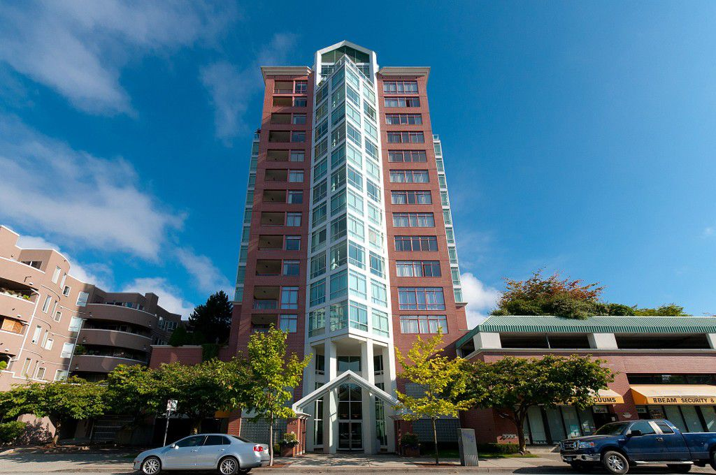 """Main Photo: 1504 130 E 2ND Street in North Vancouver: Lower Lonsdale Condo for sale in """"THE OLYMPIC"""" : MLS®# R2220070"""