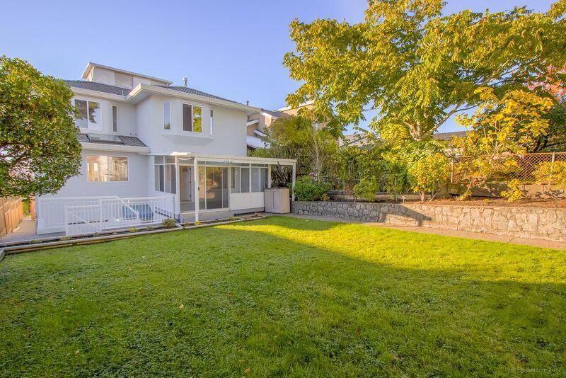 Main Photo: 372 DELTA Avenue in Burnaby: Capitol Hill BN House for sale (Burnaby North)  : MLS®# R2239476