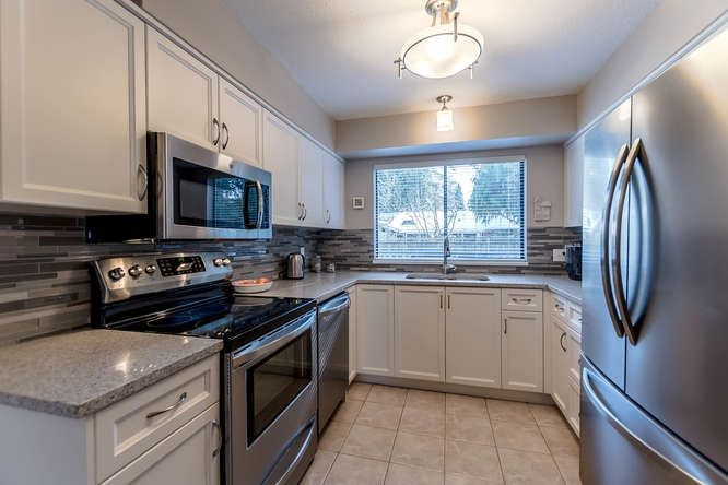 """Main Photo: 10972 UPPER CANYON Road in Delta: Sunshine Hills Woods House for sale in """"SUNSHINE HILLS"""" (N. Delta)  : MLS®# R2249061"""