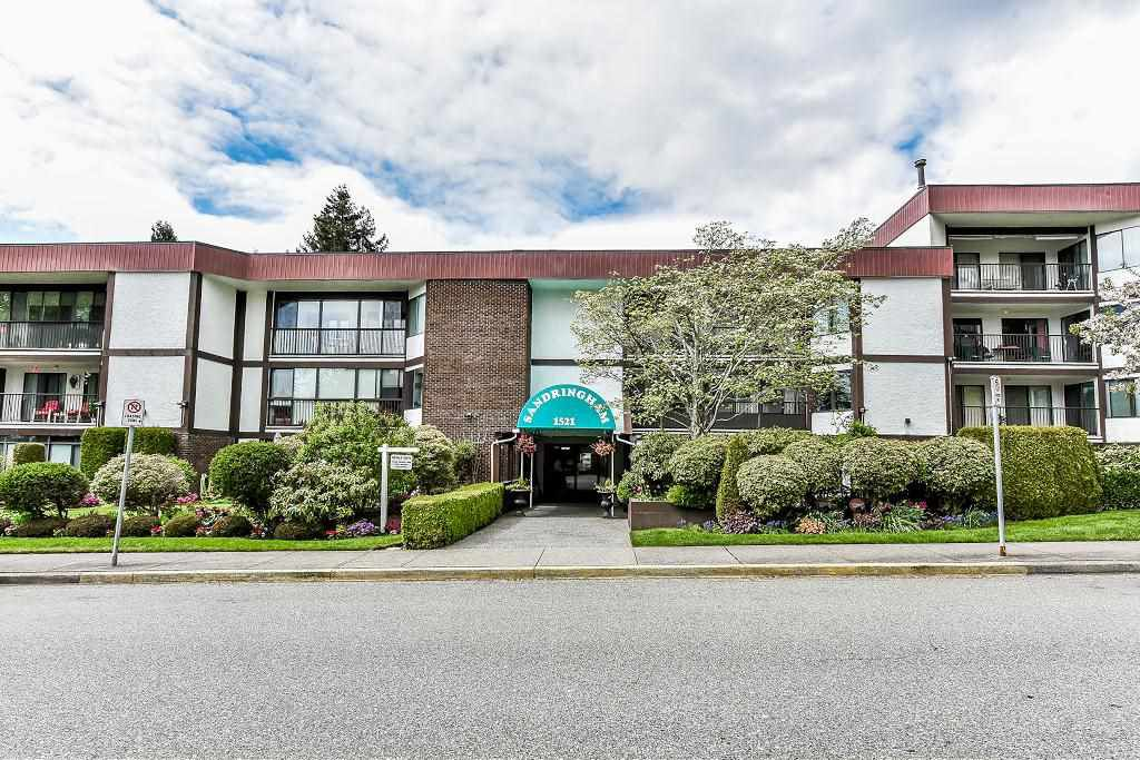 "Main Photo: 212 1521 BLACKWOOD Street: White Rock Condo for sale in ""The Sandringham"" (South Surrey White Rock)  : MLS®# R2263441"