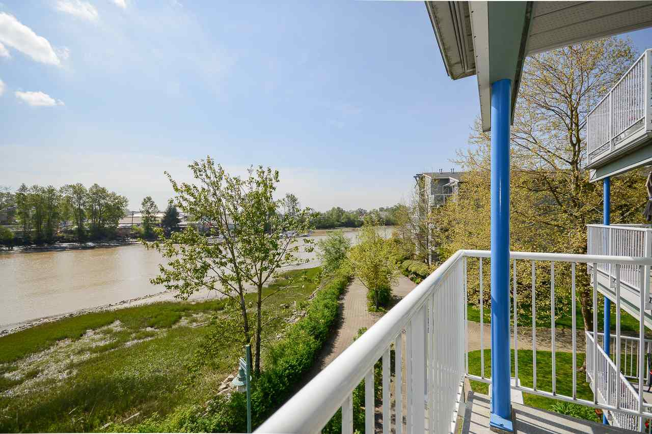 """Main Photo: 306 1920 E KENT AVENUE SOUTH in Vancouver: Fraserview VE Condo for sale in """"HARBOUR HOUSE"""" (Vancouver East)  : MLS®# R2265562"""