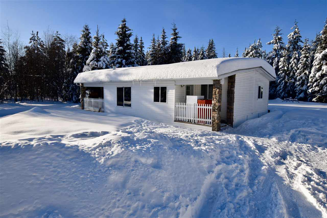 Main Photo: 2470 MUERMANN Road in Prince George: Hobby Ranches Manufactured Home for sale (PG Rural North (Zone 76))  : MLS®# R2338919