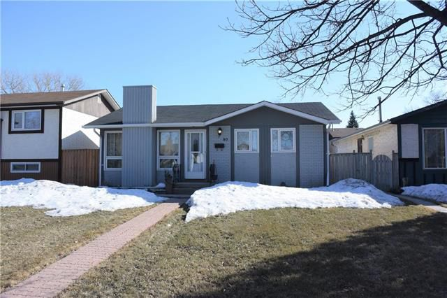 Main Photo: 40 Cropo Bay in Winnipeg: Tyndall Park Residential for sale (4J)  : MLS®# 1907242