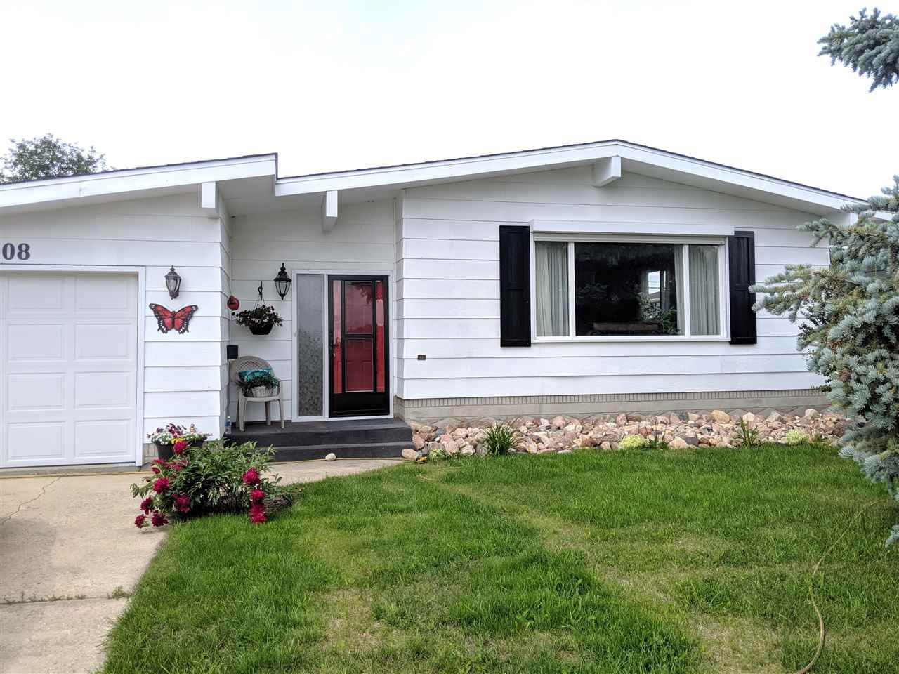 Main Photo: 9408 100 Avenue: Westlock House for sale : MLS®# E4164339