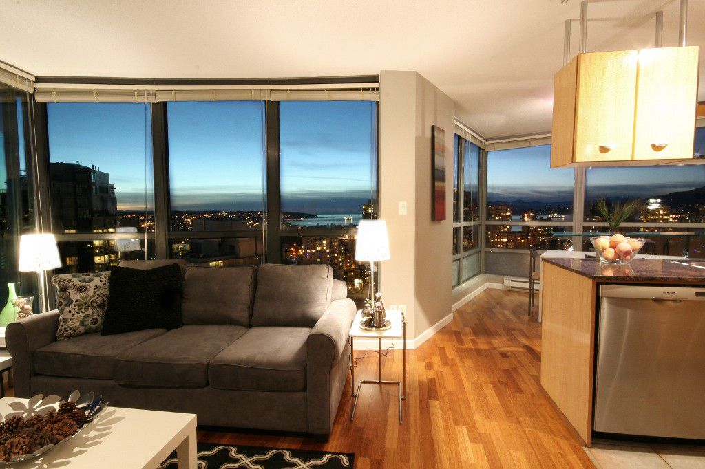 "Main Photo: 2904 501 PACIFIC Street in Vancouver: Downtown VW Condo for sale in ""THE 501"" (Vancouver West)  : MLS®# V1107488"