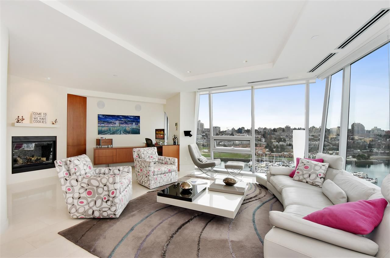 "Main Photo: 1801 1560 HOMER Mews in Vancouver: Yaletown Condo for sale in ""The Erickson"" (Vancouver West)  : MLS®# R2040728"