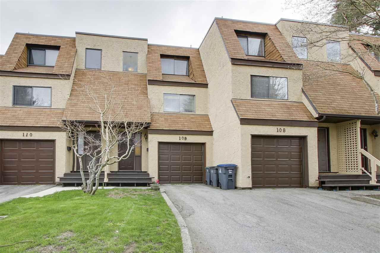 Main Photo: 109 9475 PRINCE CHARLES Boulevard in Surrey: Queen Mary Park Surrey Townhouse for sale : MLS®# R2155195