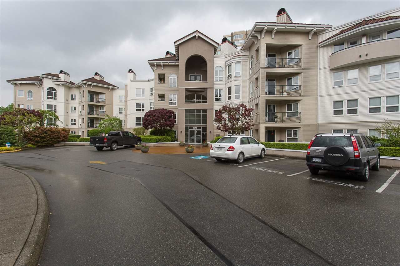 """Main Photo: 102 3172 GLADWIN Road in Abbotsford: Central Abbotsford Condo for sale in """"Regency Park"""" : MLS®# R2164654"""