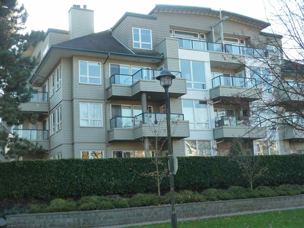 "Main Photo: 304 5800 ANDREWS Road in Richmond: Steveston South Condo for sale in ""Tje Villas at Southcove"" : MLS®# R2241418"