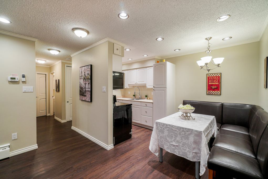 """Main Photo: 211 910 FIFTH Avenue in New Westminster: Uptown NW Condo for sale in """"GROSVENOR COURT"""" : MLS®# R2320534"""