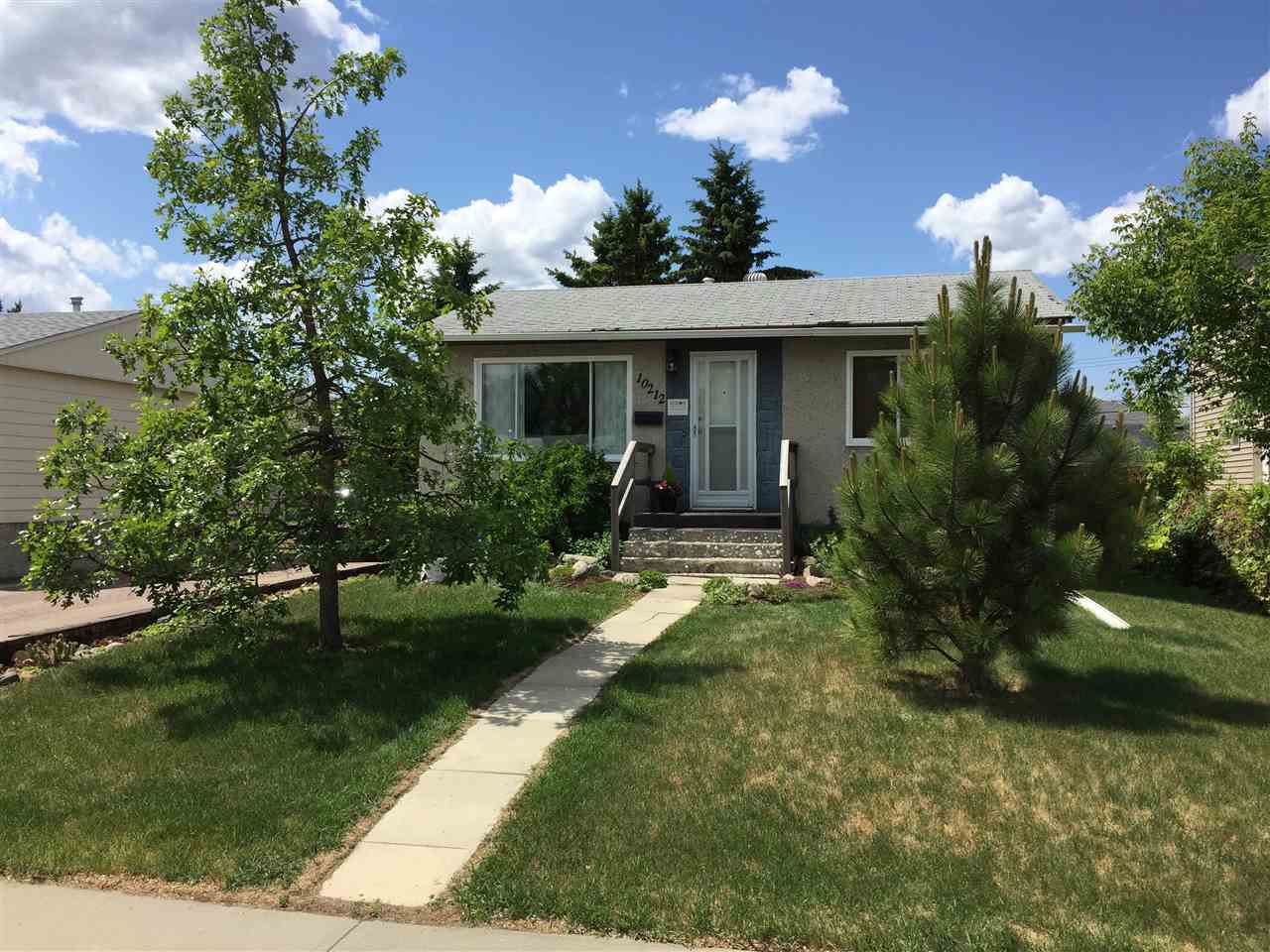Main Photo: 10212 161 Street in Edmonton: Zone 21 House for sale : MLS®# E4134990
