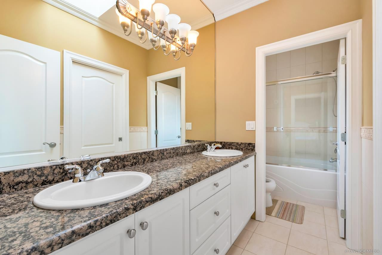 Photo 12: Photos: 4428 PENDLEBURY Road in Richmond: Boyd Park House for sale : MLS®# R2323695