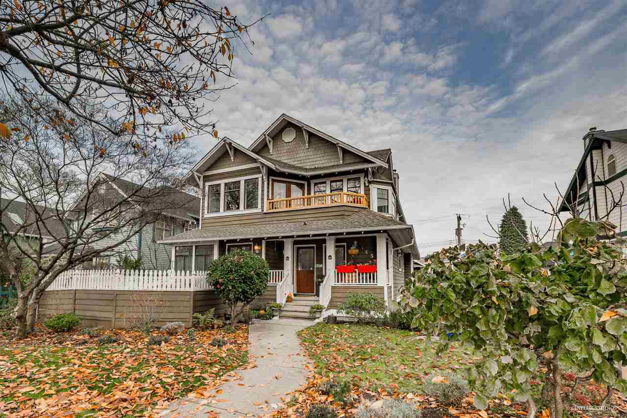 Main Photo: 163 W 15TH Avenue in Vancouver: Mount Pleasant VW Townhouse for sale (Vancouver West)  : MLS®# R2348328