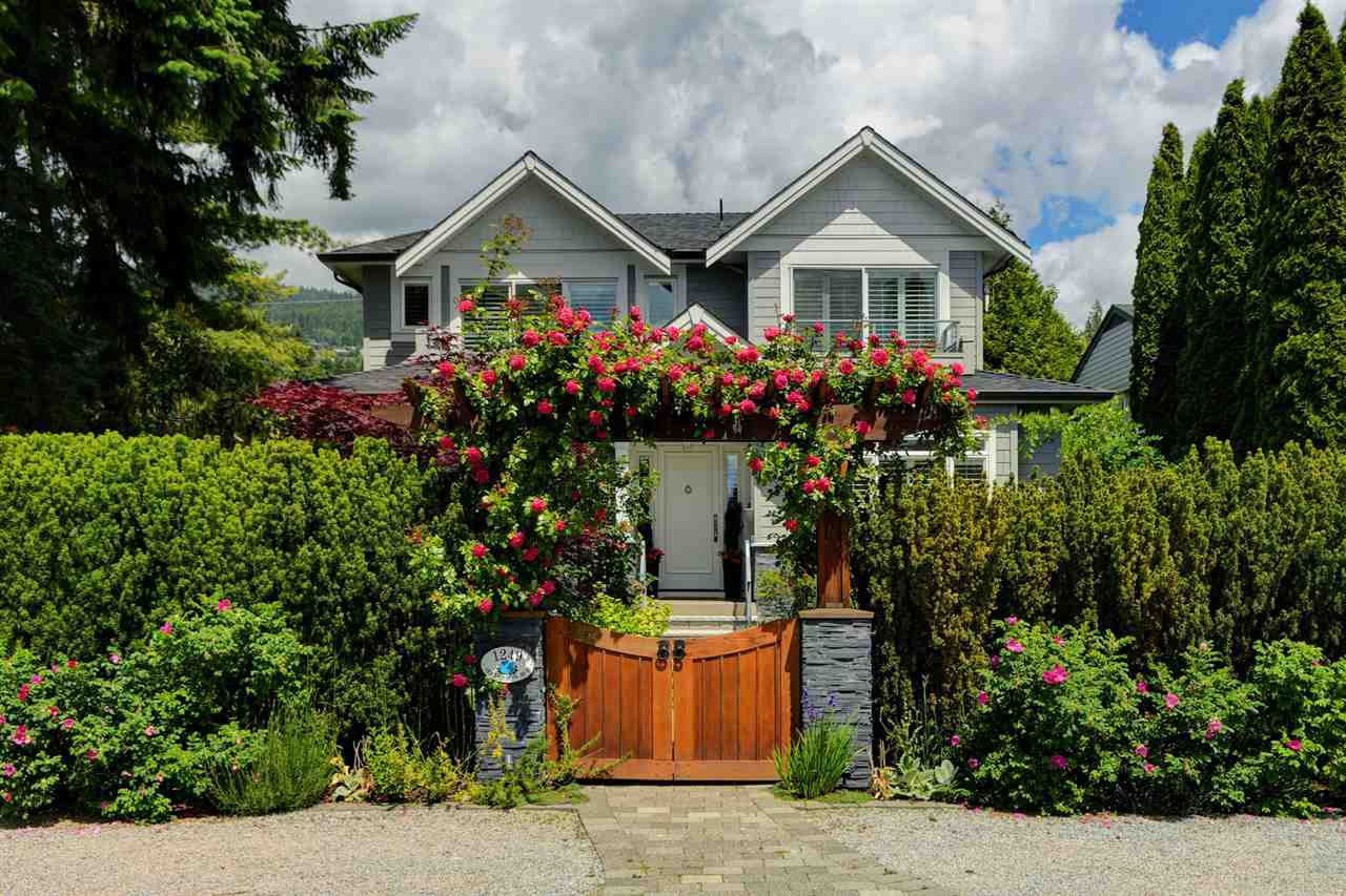 Main Photo: 1249 JEFFERSON Avenue in West Vancouver: Ambleside House for sale : MLS®# R2378519