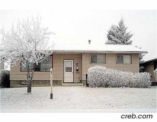 Main Photo:  in CALGARY: Penbrooke Residential Detached Single Family for sale (Calgary)  : MLS®# C2351092