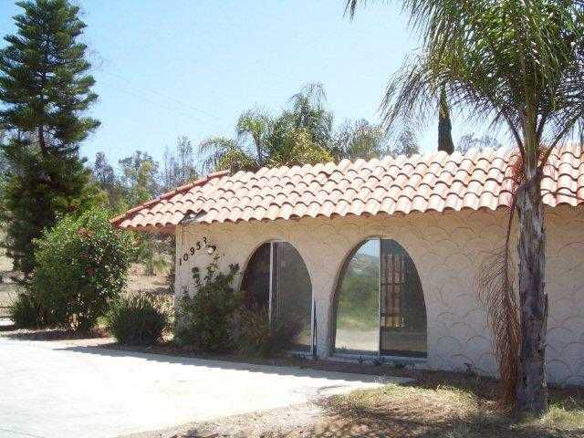 Main Photo: LAKESIDE House for sale : 5 bedrooms : 10953 Valle Vista