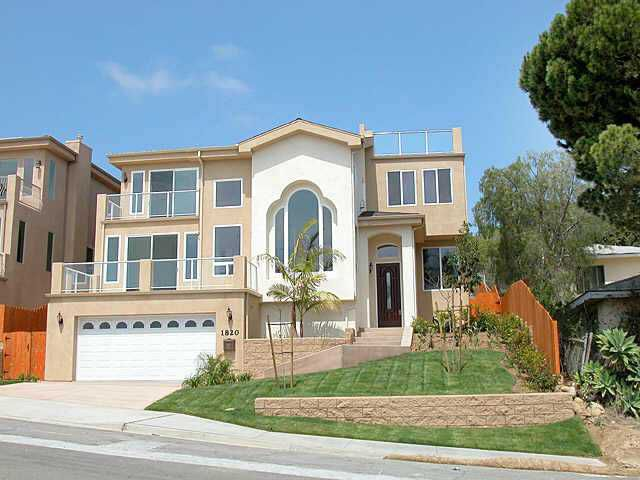 Main Photo: PACIFIC BEACH Home for sale or rent : 4 bedrooms : 1820 Malden