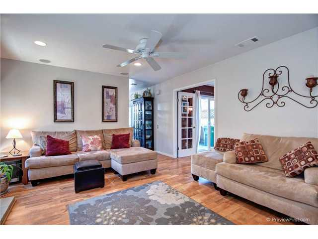 Main Photo: CARLSBAD WEST Twinhome for sale : 3 bedrooms : 818 Caminito Del Sol in Carlsbad