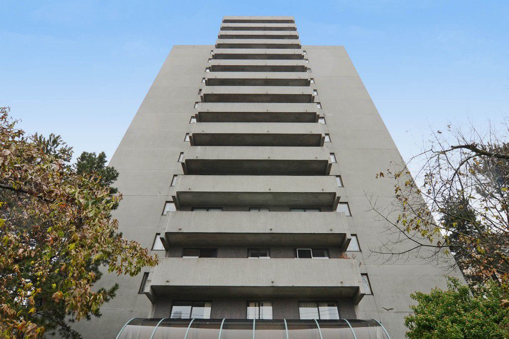 "Main Photo: 1004 110 W 4TH Street in North Vancouver: Lower Lonsdale Condo for sale in ""Ocean Vista"" : MLS®# V1064445"