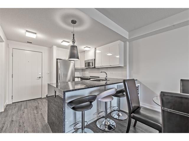 Main Photo: 201 15 ASPENMONT Heights SW in Calgary: Aspen Woods Condo  : MLS®# C4040342
