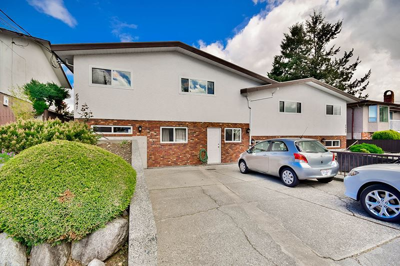 Main Photo: 6941 AUBREY Street in Burnaby: Sperling-Duthie House 1/2 Duplex for sale (Burnaby North)  : MLS®# R2062363