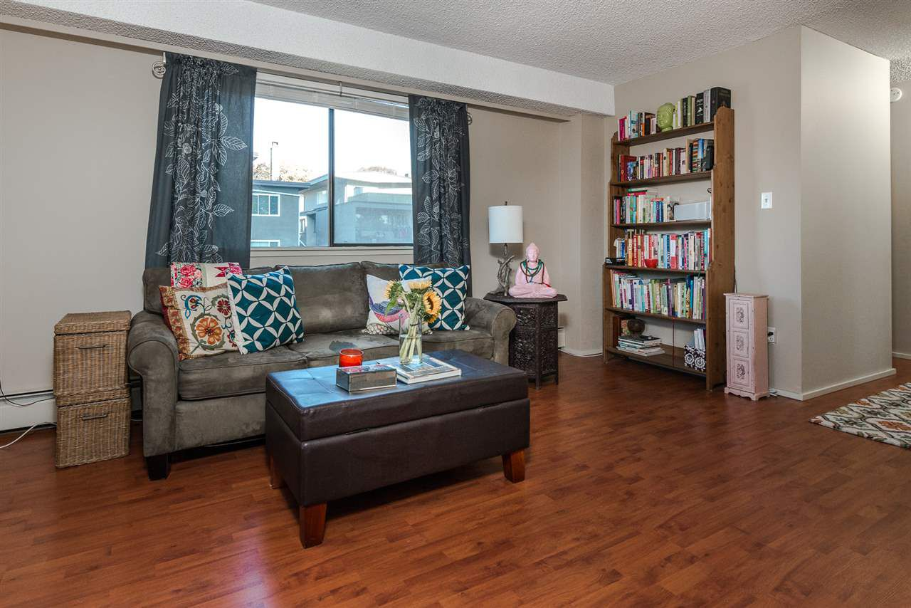 """Main Photo: 405 209 CARNARVON Street in New Westminster: Downtown NW Condo for sale in """"ARGYLE HOUSE"""" : MLS®# R2116401"""
