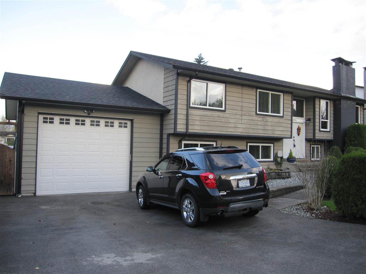Main Photo: 22715 124 Avenue in Maple Ridge: East Central House for sale : MLS®# R2123558