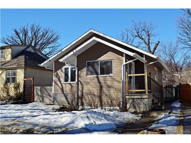 Main Photo: 225 Beaverbrook Street in Winnipeg: River Heights Residential for sale (1C)  : MLS®# 1705879