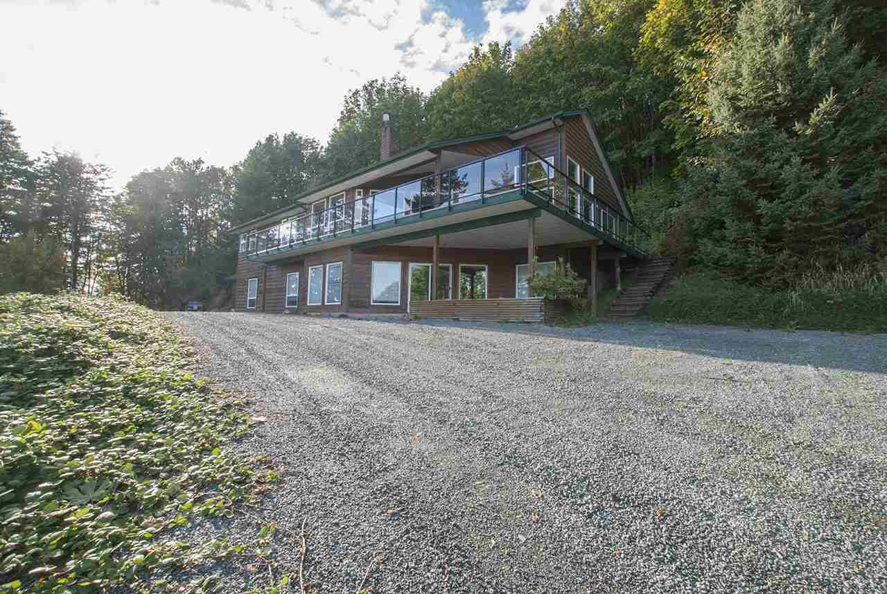 Main Photo: 8390 LICKMAN Road in Chilliwack: Chilliwack Yale Rd West House for sale : MLS®# R2216042