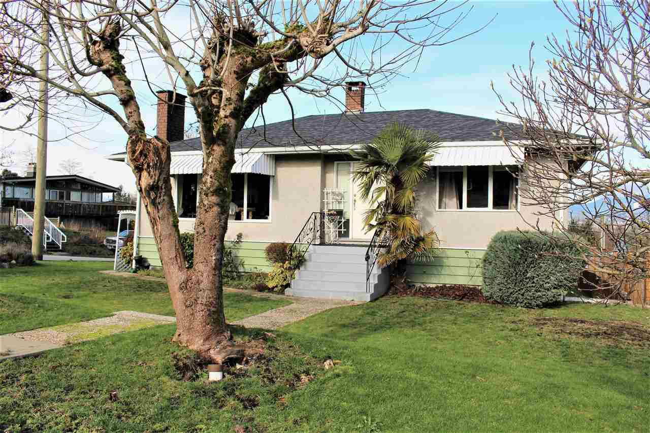 Main Photo: 4645 BURKE Street in Burnaby: Forest Glen BS House for sale (Burnaby South)  : MLS®# R2243671