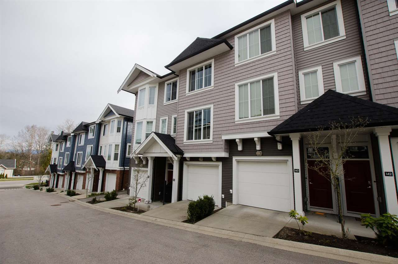 """Main Photo: 144 14833 61 Avenue in Surrey: Sullivan Station Townhouse for sale in """"ASHBURY HILL"""" : MLS®# R2249957"""