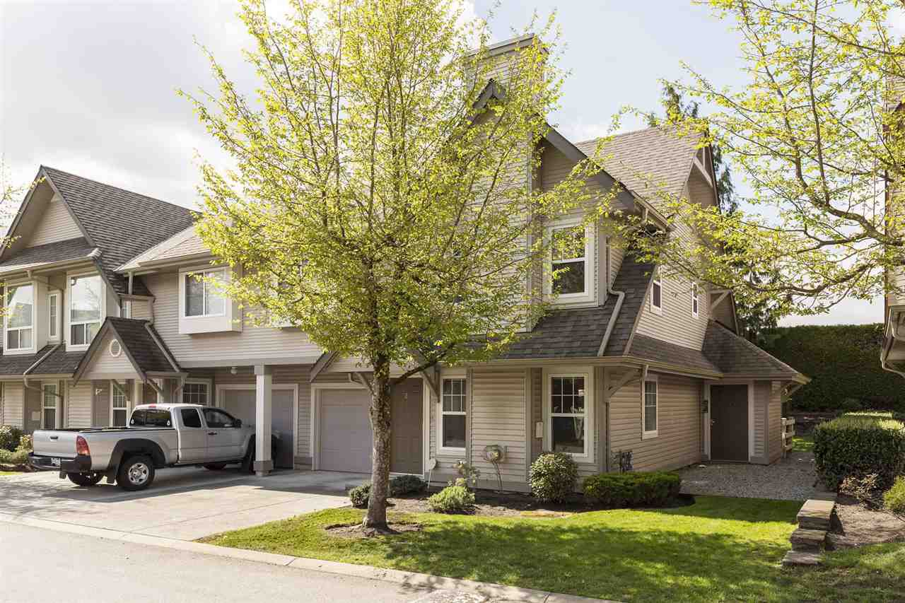 """Main Photo: 21 23085 118 Avenue in Maple Ridge: East Central Townhouse for sale in """"SOMMERVILLE GARDENS"""" : MLS®# R2360338"""