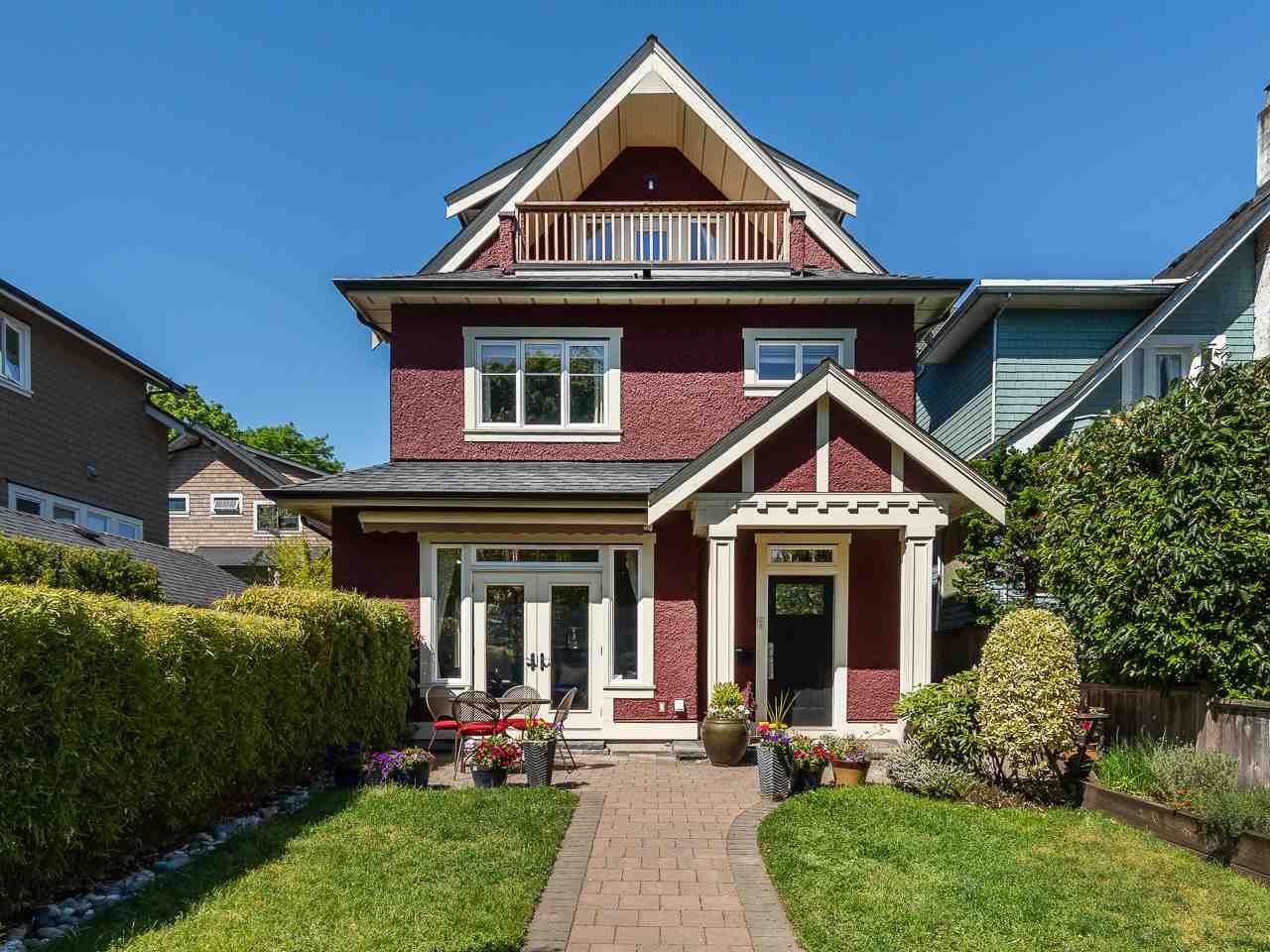 "Main Photo: 3485 W 2ND Avenue in Vancouver: Kitsilano House 1/2 Duplex for sale in ""KITSILANO"" (Vancouver West)  : MLS®# R2369213"