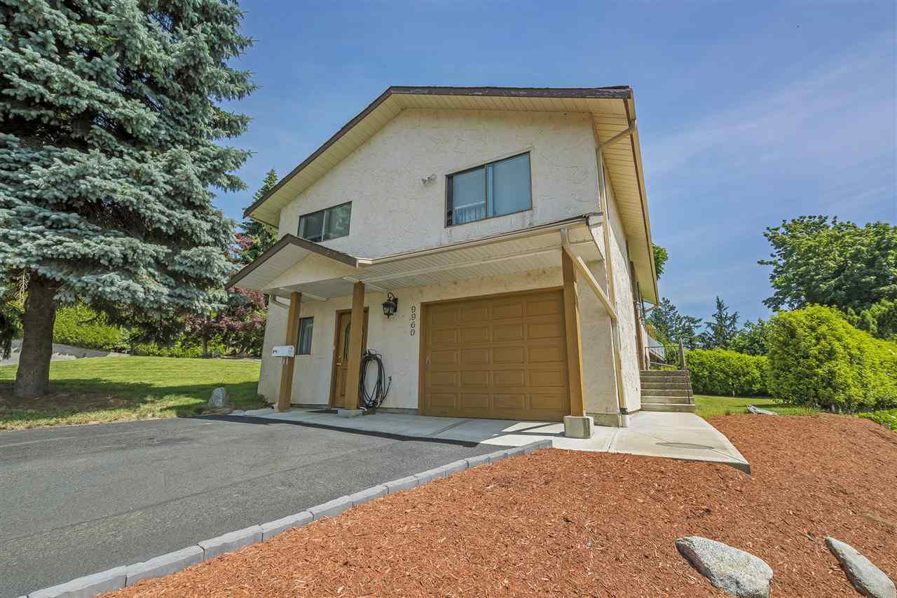 Main Photo: 9960 KENSWOOD Drive in Chilliwack: Little Mountain House for sale : MLS®# R2381554
