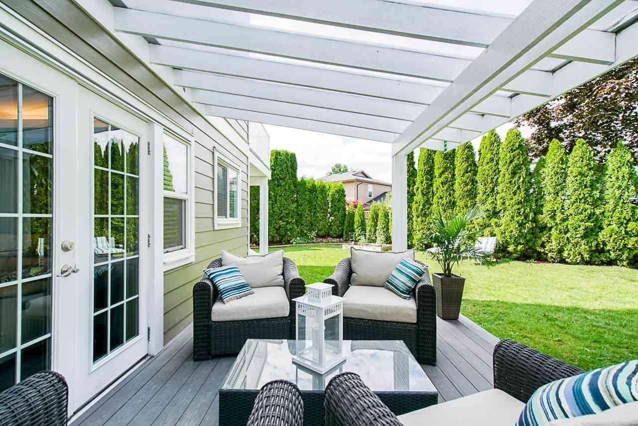 Main Photo: 11724 FURUKAWA Place in Maple Ridge: Southwest Maple Ridge House for sale : MLS®# R2385712