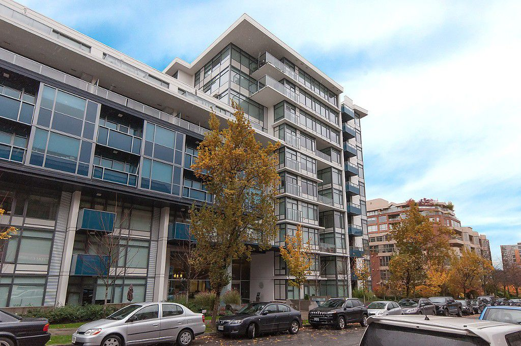 "Main Photo: 628 1777 W 7TH Avenue in Vancouver: Fairview VW Condo for sale in ""Kits 360"" (Vancouver West)  : MLS®# R2026971"