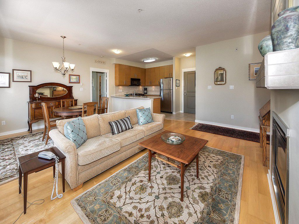 "Main Photo: 302 1706 56 Street in Delta: Beach Grove Condo for sale in ""HERON COVE"" (Tsawwassen)  : MLS®# R2082685"