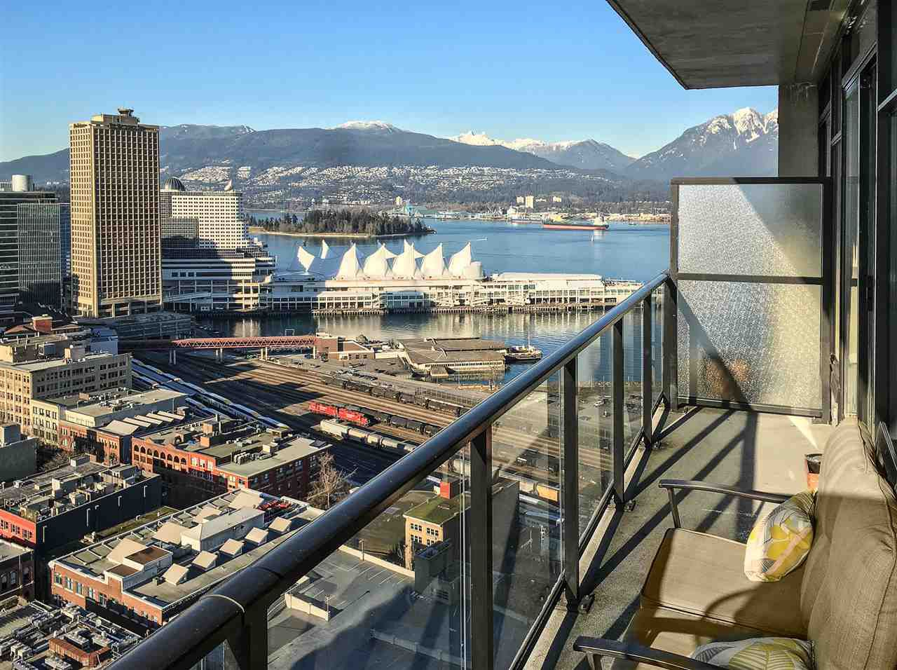 """Main Photo: PH8 108 W CORDOVA Street in Vancouver: Downtown VW Condo for sale in """"Woodwards W32"""" (Vancouver West)  : MLS®# R2131580"""