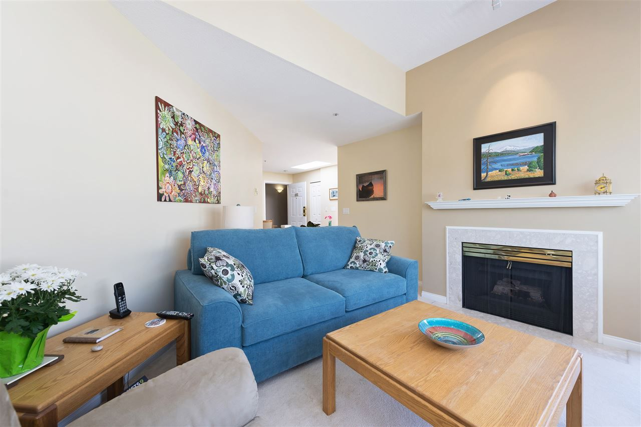 Main Photo: 405 2960 PRINCESS Crescent in Coquitlam: Canyon Springs Condo for sale : MLS®# R2183686