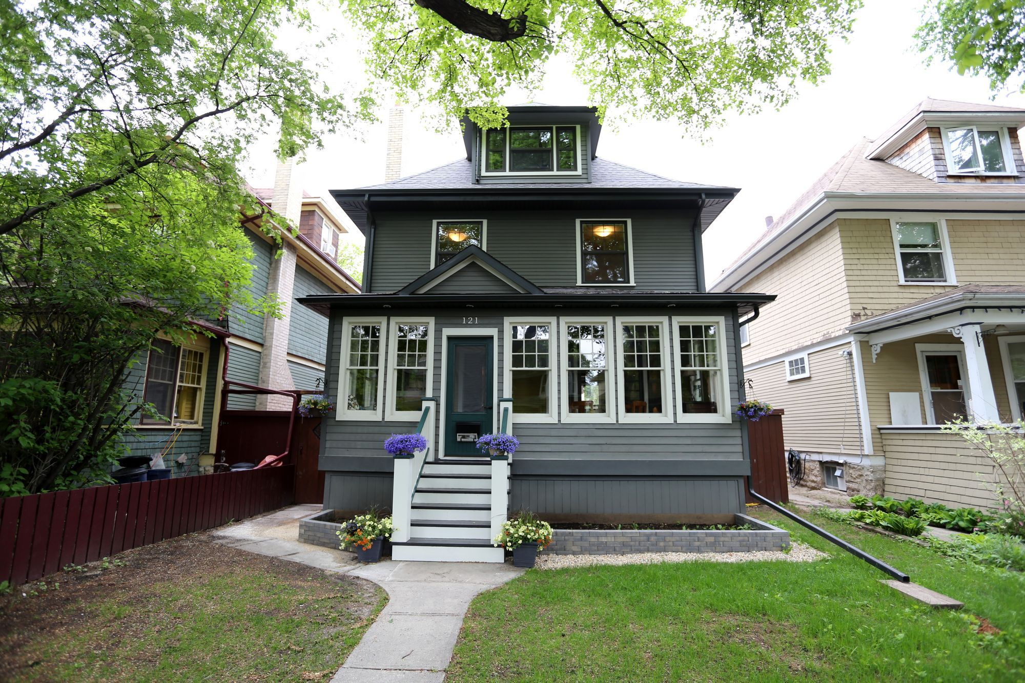 Welcome to 121 Ruby St. in Wolseley !