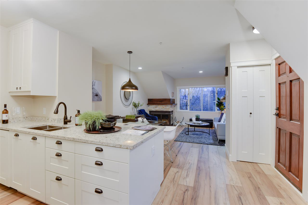 Main Photo: 3454 W 3RD Avenue in Vancouver: Kitsilano Townhouse for sale (Vancouver West)  : MLS®# R2330099