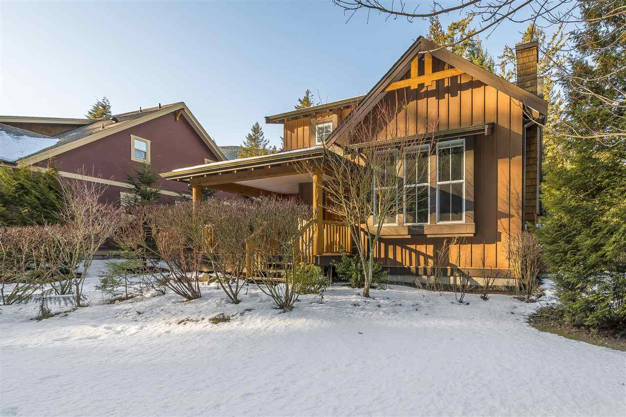 """Main Photo: 43593 FROGS Hollow in Cultus Lake: Lindell Beach House for sale in """"THE COTTAGES AT CULTUS LAKE"""" : MLS®# R2344218"""